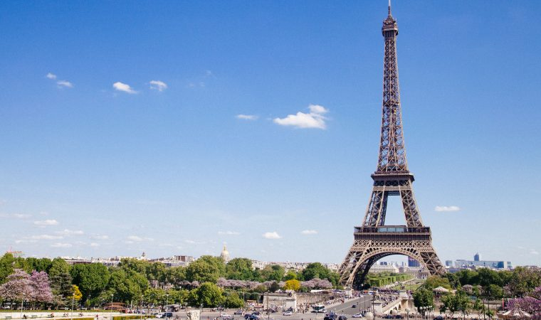 5 סיבות למה את חייבת לצפות בסדרה החדשה בנטפליקס: The Parisian Agency